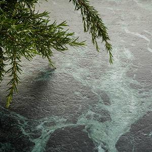 Verde Alpi et Sahara Noir Extra, deux nouvelles surfaces raffinées et tendance